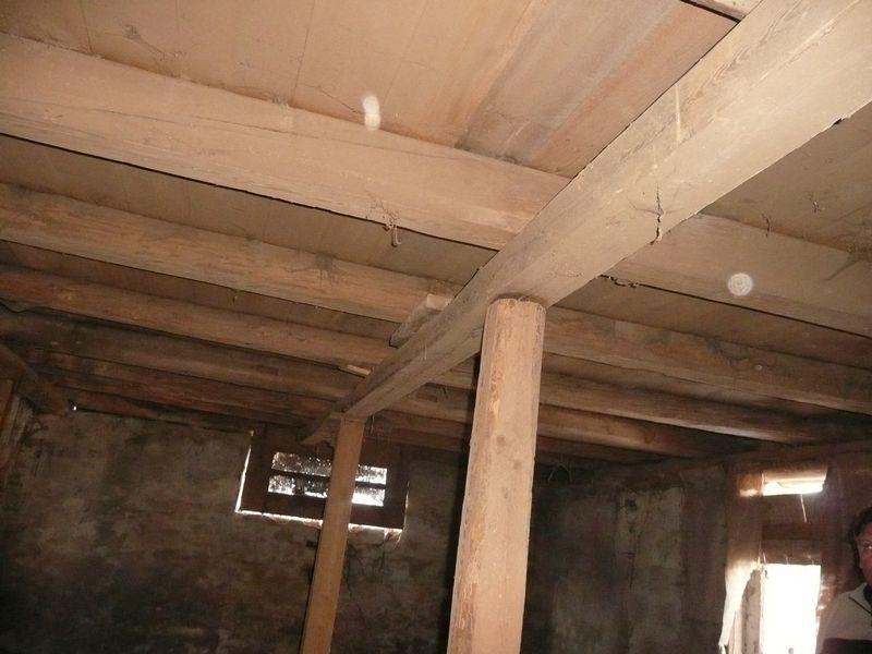 Voor zover een verslag van de voortgang van de verbouwing - Opruimen houten balk ...